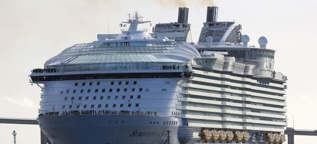 Así es 'Symphony of the Seas', el mayor barco del mundo